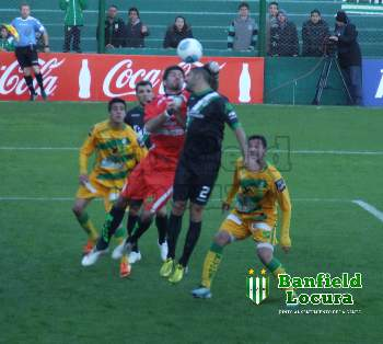 triunfo banfield defensa noticia1